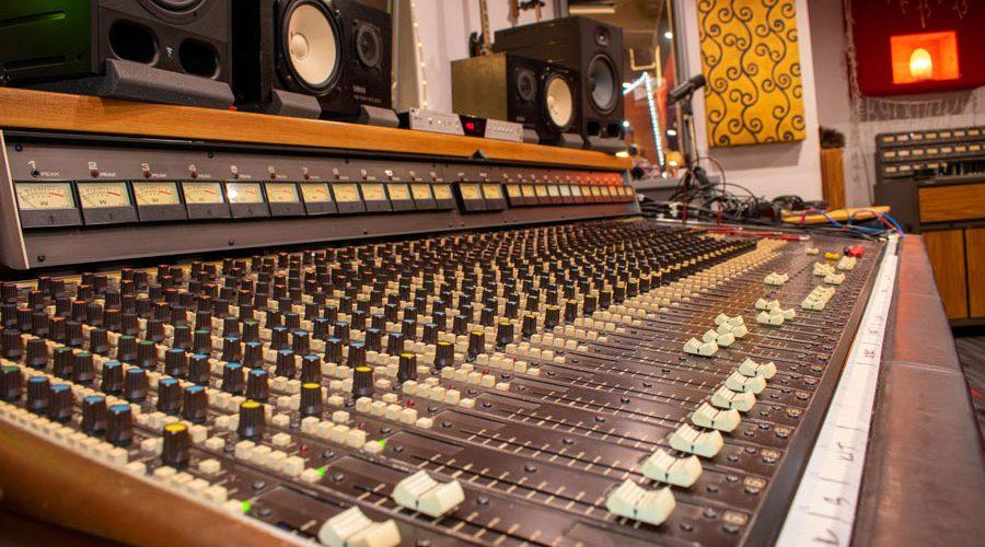 Soundcraft 2400 large frame analog console