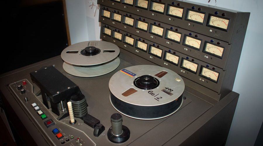 MCI-JH-24-tranck-analog-tape-machine