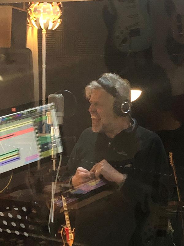 Stuart Davis Singing