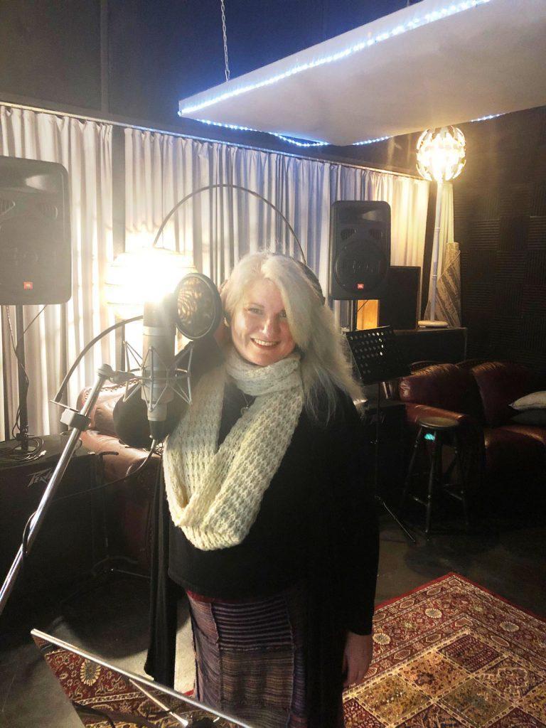 Michaele Archer at Damien Gerard Studios